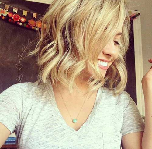 Beachy Waves for Short Hairstyles