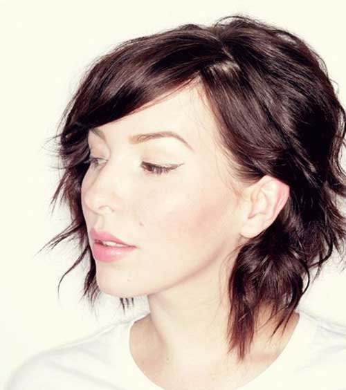 Stylish Wavy Bob Hairstyle