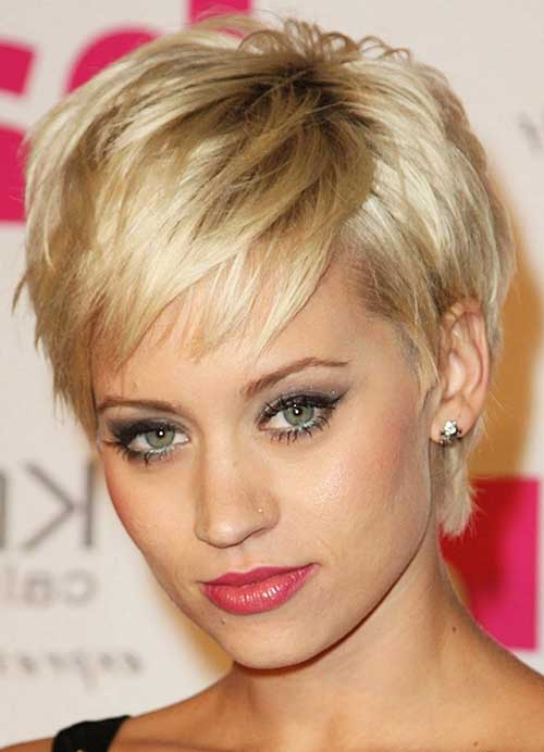 Chic Short Hairstyles for Thin Blonde Hair