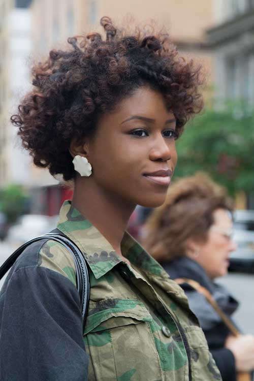 Beautiful Short Curly Afro Hairdo