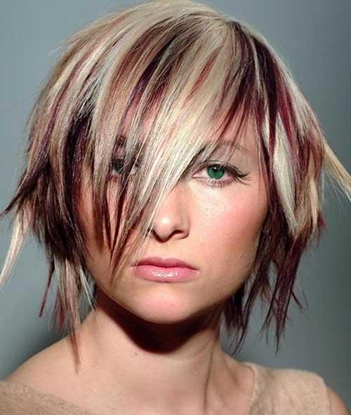 Blonde Color Streaks for Short Hairdos