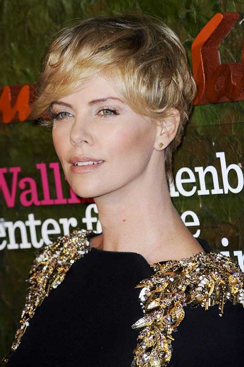 Charlize Theron Pixie Cut for Wavy Hair