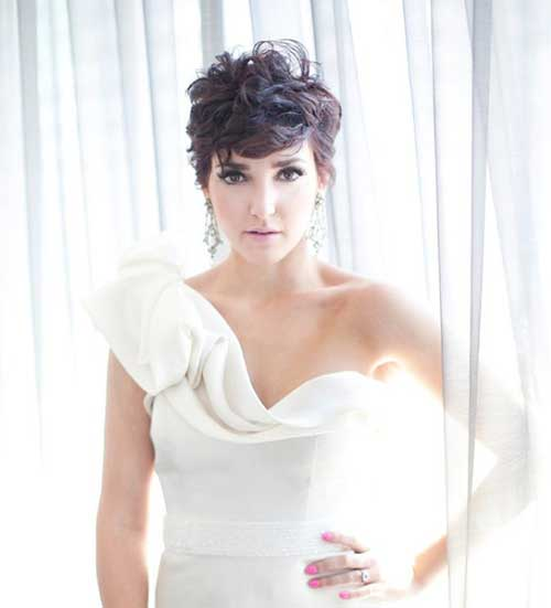Chic Short Curly Pixie Hairstyles