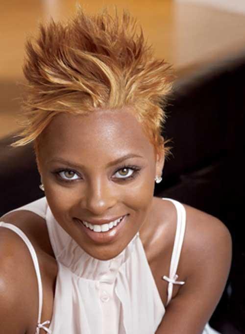 Popular Short Blonde Hairdo for Black Women