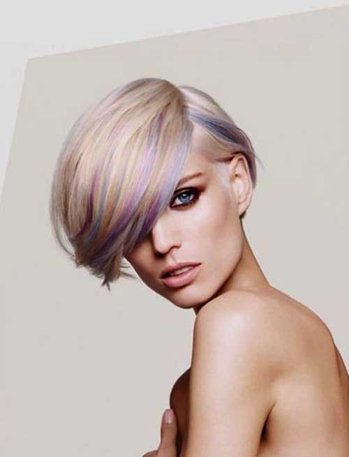 Short Bob Hair with Blonde Color Streaks