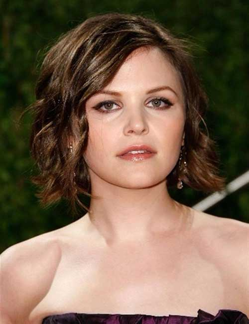 Short Hair and Curls for Round Face with Side Bangs