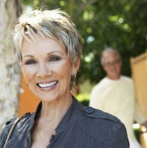 Best Short Haircuts for Over 50 Ladies