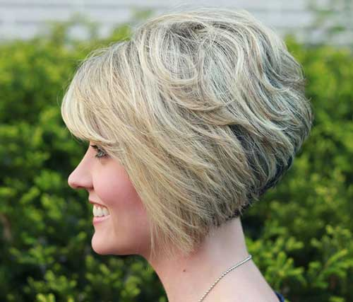 Short Haircuts for Thick Blonde Hair with Bangs