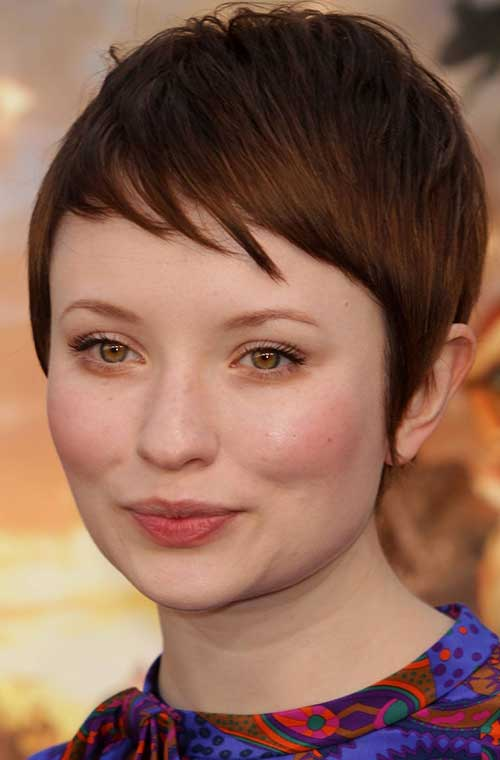 Short Pixie for Rounded Face Layered Bangs