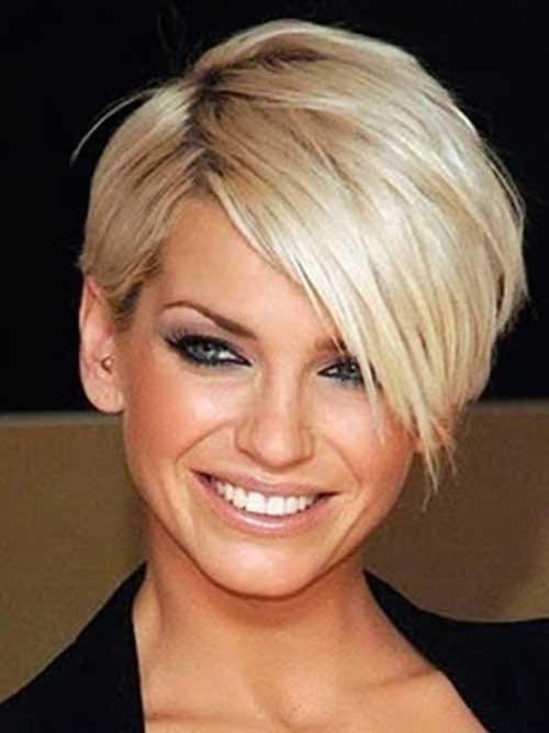 Thick Short Blonde Hairdo with Bangs