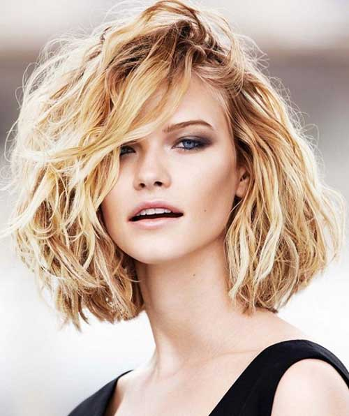 Thick Wavy Short Hair with Side Bangs