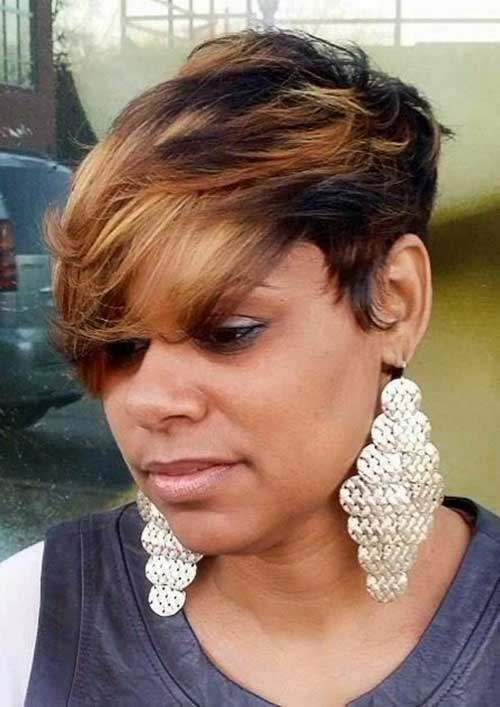 Blonde Highlighted Pixie Style for Black Women