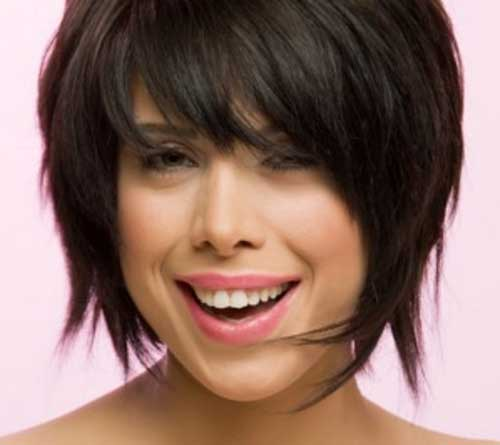 Cute Layered Bob Hairstyles for Round Faces