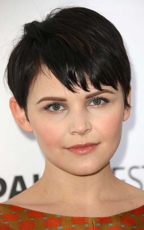 Cute Layered Pixie Hairstyles for Round Faces