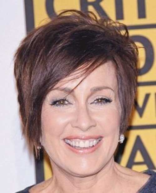 Layered Short Hair Styles Women Over 50