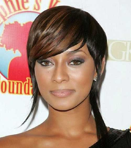 Layered Short Hairstyles Ideas with Bangs for Black Women