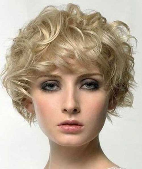 Short Curly Blonde Haircuts for Round Faces