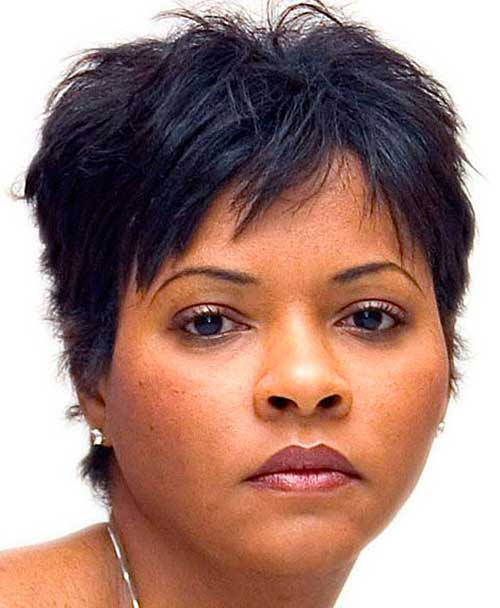 Short Pixie Hair Cut for Round Faces Black Women