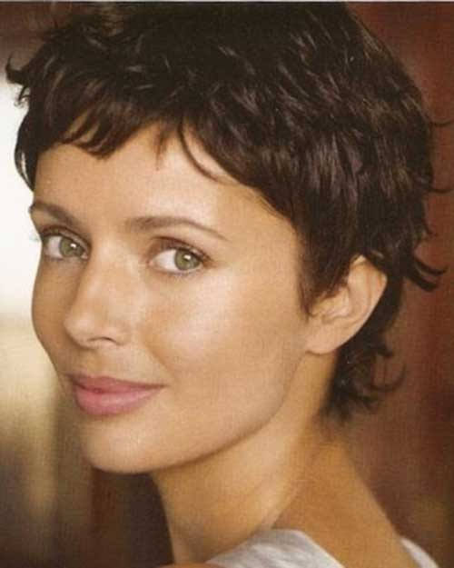 Very Short Pixie Haircut for Wavy Hair Style