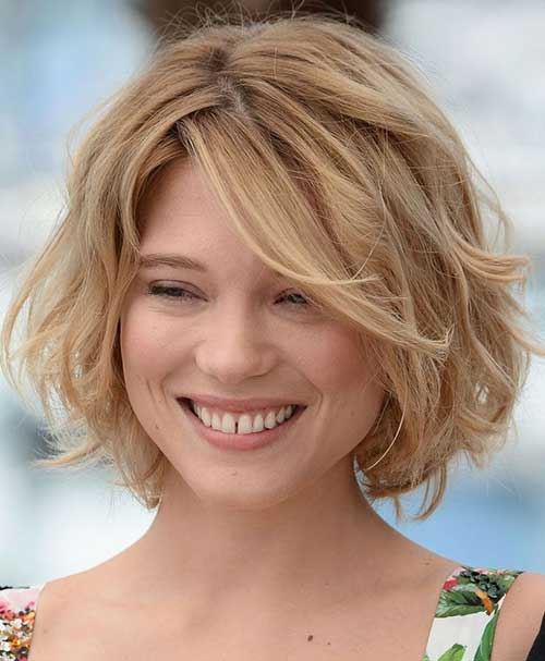 Wavy Short Bob Hairstyles with Side Swept Bangs