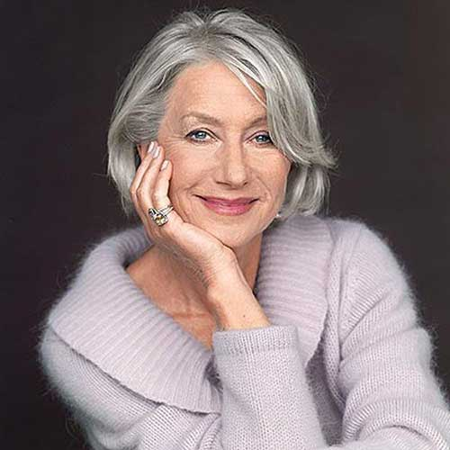 Short Haircuts for Women Over 50-14