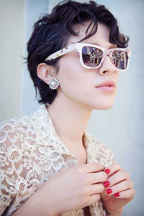 Pixie Cuts for Round Faces-18