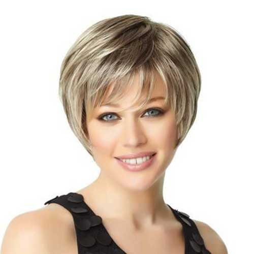 Short Haircuts for Women Over 40-18
