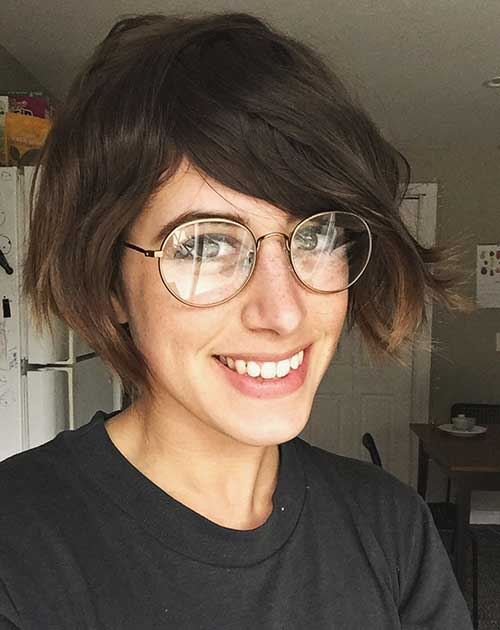 Short Hairstyles for Wavy Hair-18