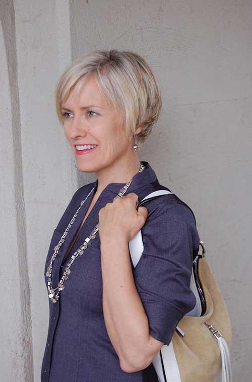 Short Hair for Older Women-20