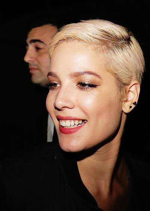 Celebs with Short Hair-24