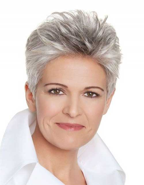 Short Haircuts for Women Over 50-24