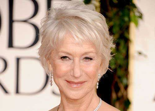 Short Haircuts for Women Over 50-29