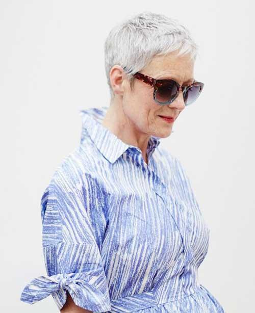 Short Hair for Older Women-9