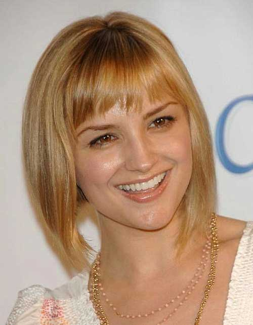 Short Honey Blonde Blunt Bob Hairstyles