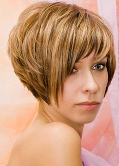 Short Honey Blonde Layered Bob Hairstyles