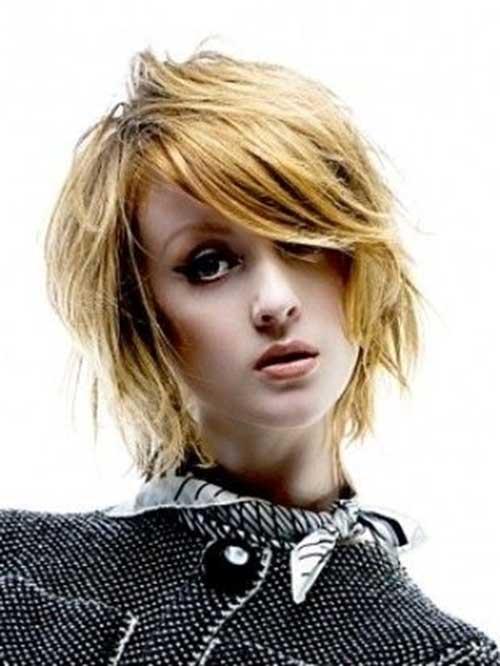 Short to Medium Layered Haircuts for Women