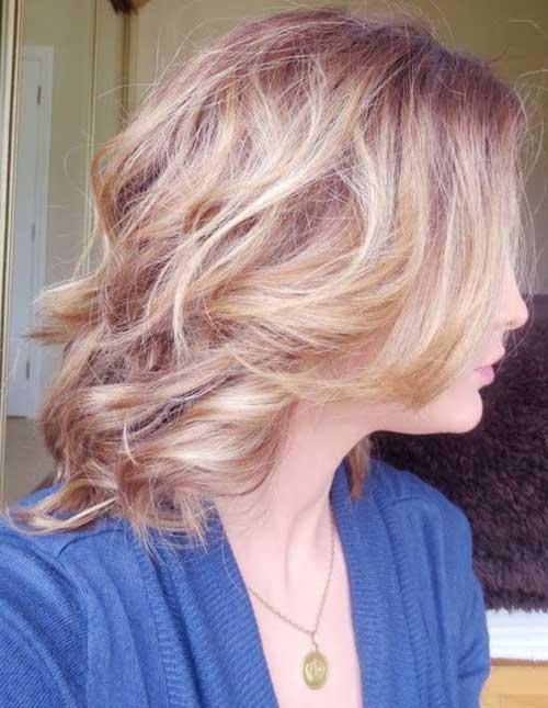 Short to Medium Wavy Bob Haircuts for Women