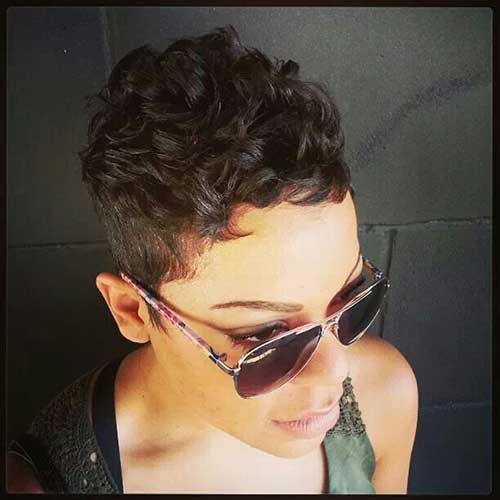 Hairstyles for Short Curly Hair-10