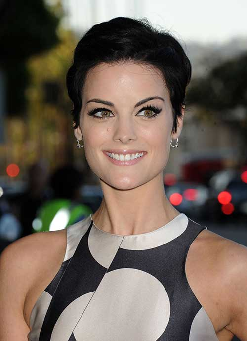Celebrities with Pixie Cuts-14