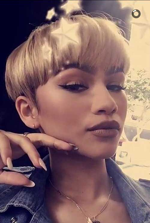 Celebrities with Pixie Cuts-15