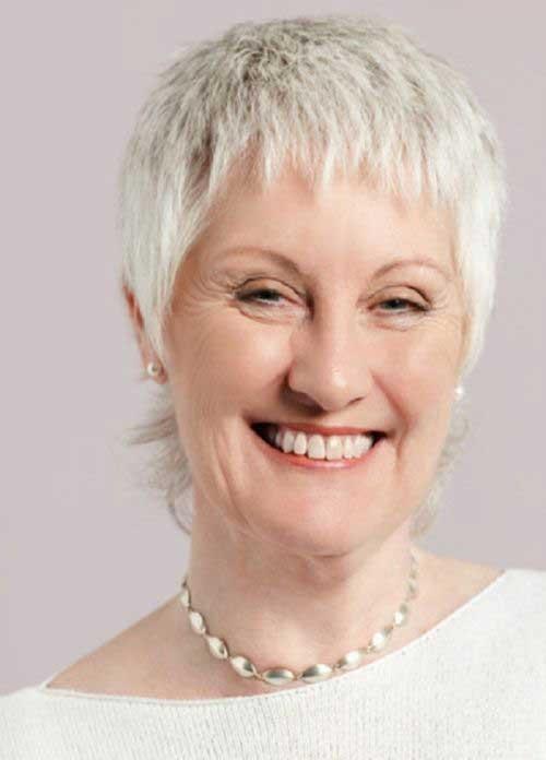 Short Hair Styles for Older Women-19