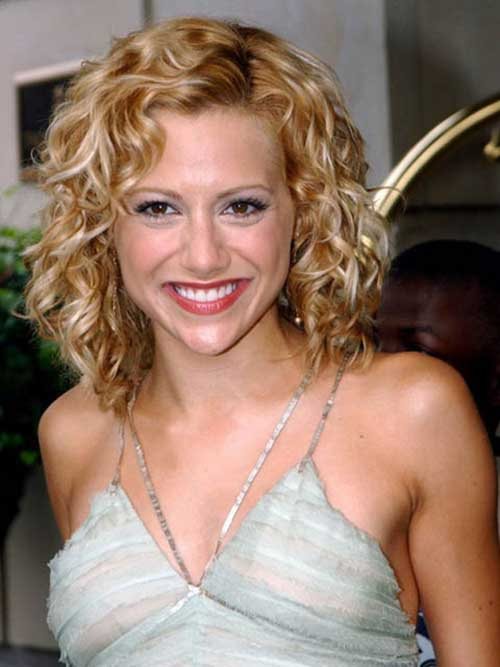 Hairstyles for Short Curly Hair-6