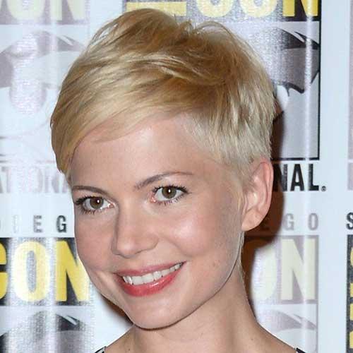 Short Hair Styles for Women-17