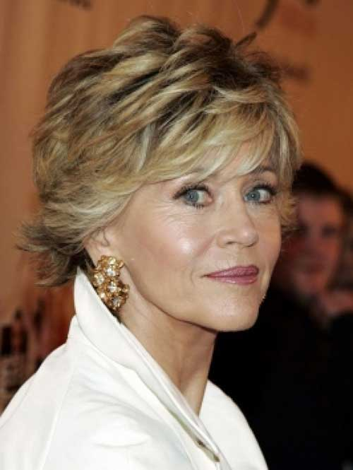 Short Haircuts for Mature Ladies-8