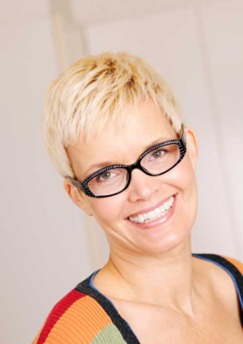 Blonde Pixie Haircuts Ideas for Women Over 50