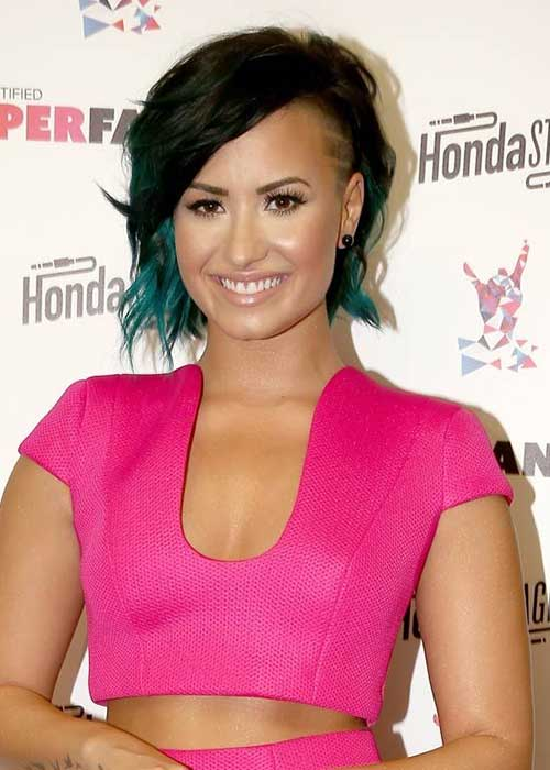 Fun Short Hairstyles with Blue Highlights