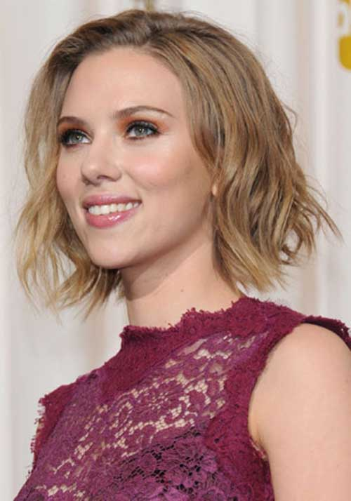 The 33-year old daughter of father Karsten Johansson and mother Melanie Sloan , 160 cm tall Scarlett Johansson in 2018 photo