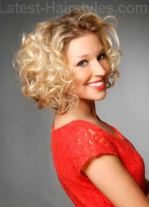 Short Curly Blonde Hairstyles for Oval Faces