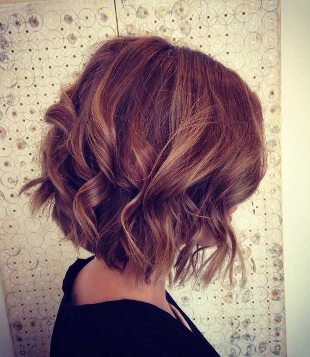 Best Short Layered Haircuts for Wavy Hair