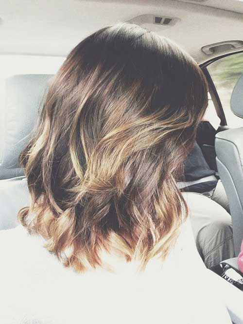 Short Wavy Layered Highlighted Hairstyles